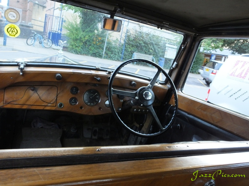 splendid-unrestored-rolls-royce-interior.jpg